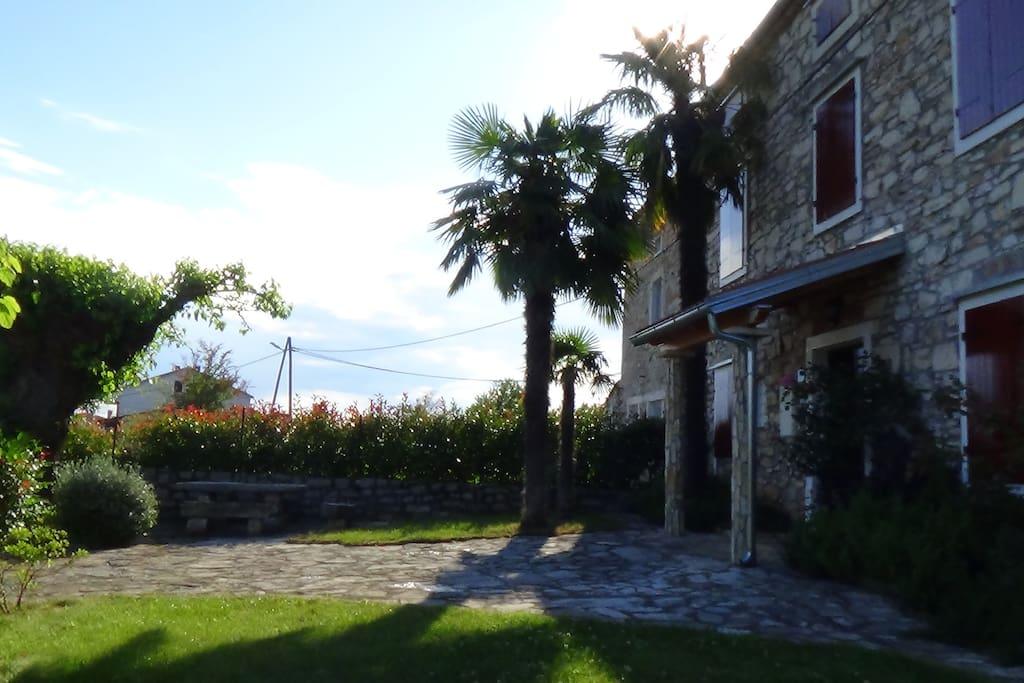 Haus mit Garten bild 2