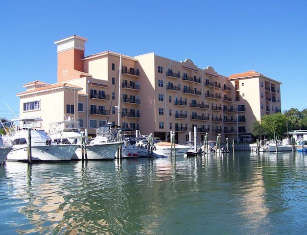 Madeira Beach Vacation Properties Condo