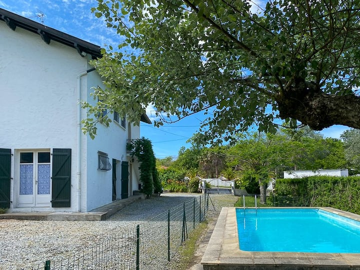 Appt T3 dans maison basque avec piscine - Erreka