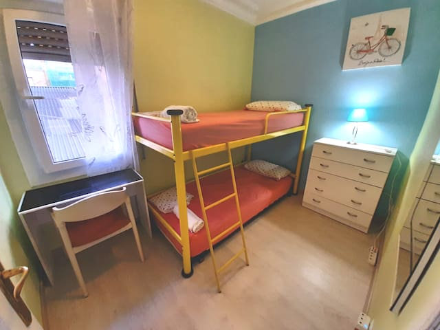 (A)Private double bed with keylock, wardrobe,Wi-Fi
