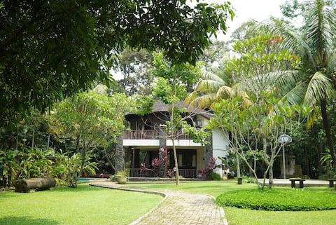The Round Villa (Bogor)
