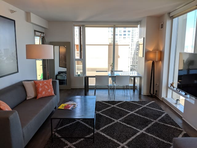 2BR 2BA Lux w/ King beds, Moscone Ctr, Bill Graham