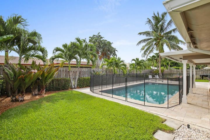 Palm Beach Gardens Home With A Pool Houses For Rent In Palm Beach Gardens Florida United States