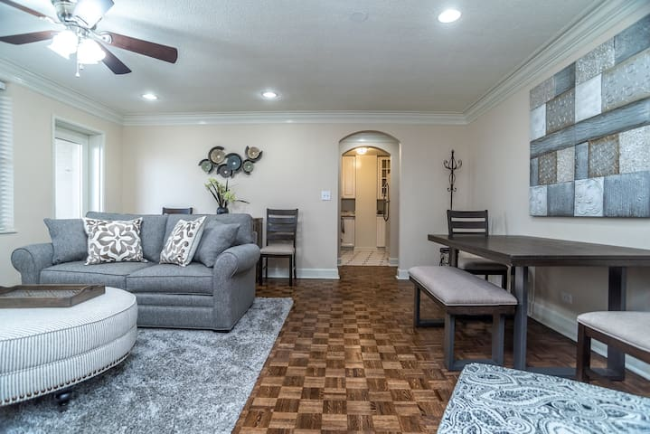 7I 2BR NEWLY RENOVATED DOWNTOWN CONDO!