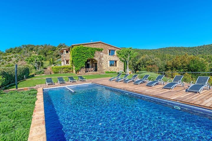 Gorgeous Catalan Villa with stunning views