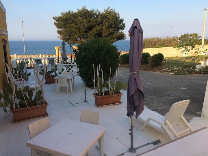 Sea view furnished apartments with parking