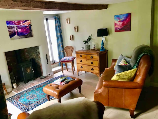 Just relax and enjoy the cosy living room...