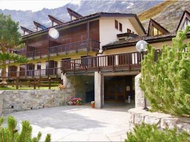 Studio flat 25mt from Cretaz ski pistes