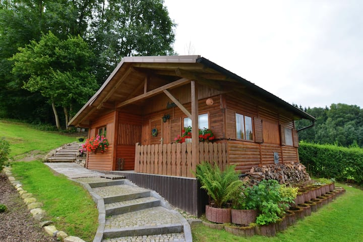 Holiday home in the Bavarian forest in direct proximity of Austria.