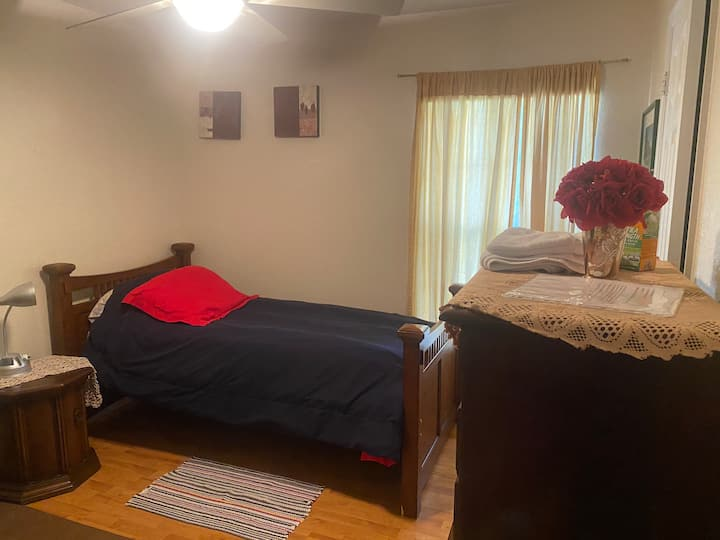 A bedroom at Orlando Universal and Disney not far