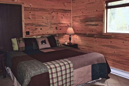 North Routt Getaway, Cozy 1-bedroom Cabin - Clark - Stuga
