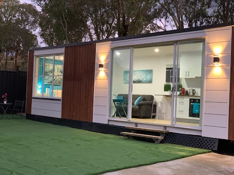 ❤️Tiny House in Belconnen❤️1BR✅self contained✅Wine✅🏡