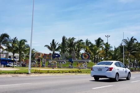 "CUC-UDG Ixtapa: PRIVATE, SAFE & CHEAP ""Green"""