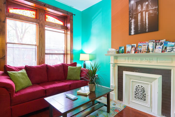 Gorgeous Brooklyn Brownstone Flat, Great Location!