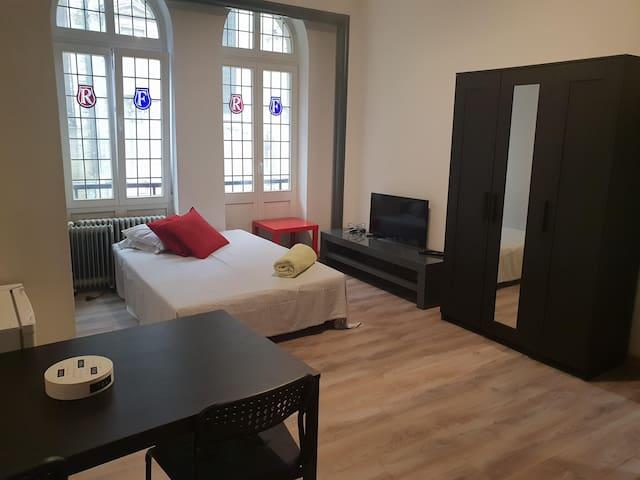 Studio confortable tout équipé en plein centre