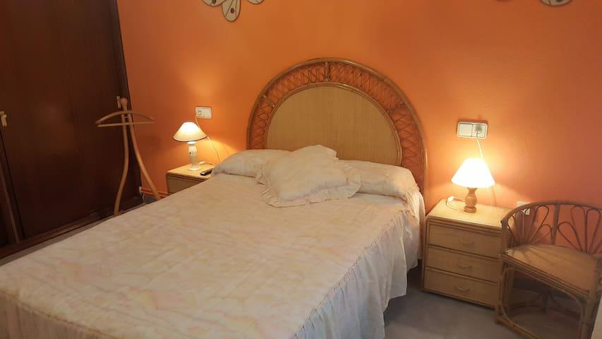 Hab. con baño privado, junto al mar - Cambrils - Apartment