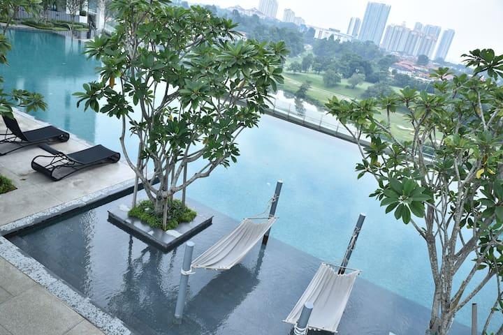 Staycation Tropicana -Kota Damansara/PJ-MRT@Surian