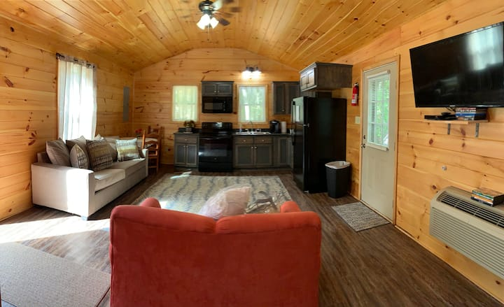 Country Charm is close to town & area attractions.