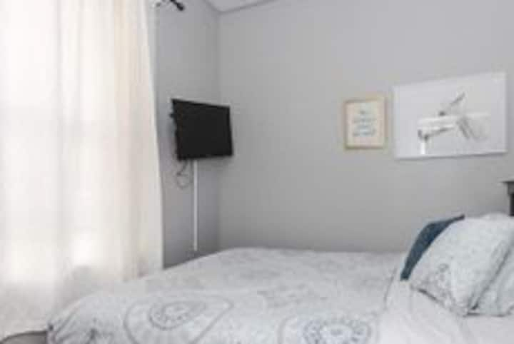 Perfect Room in Wicker Park 10 min to Downtown