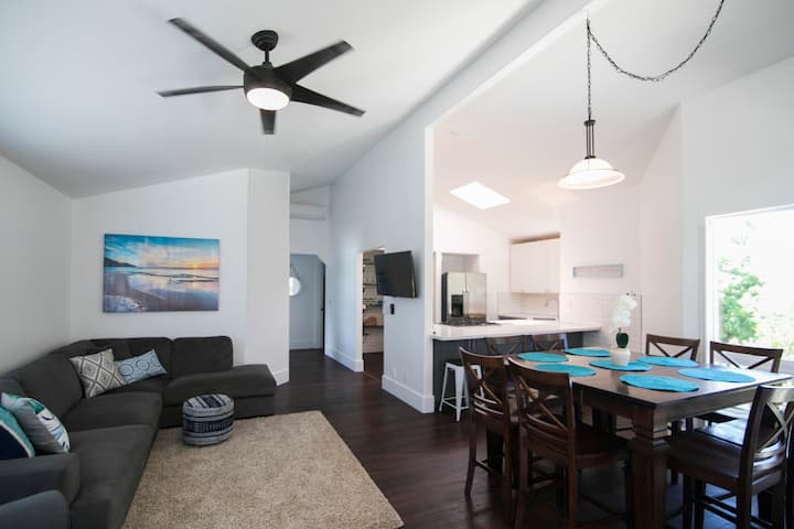 AC, Near Beach, Smart TV, Laundry, Big Kitchen 🌺