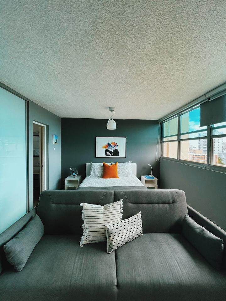 Stunning Ocean/City View Studio Apartment