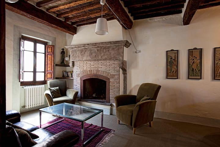 Cosy town house in Tuscany