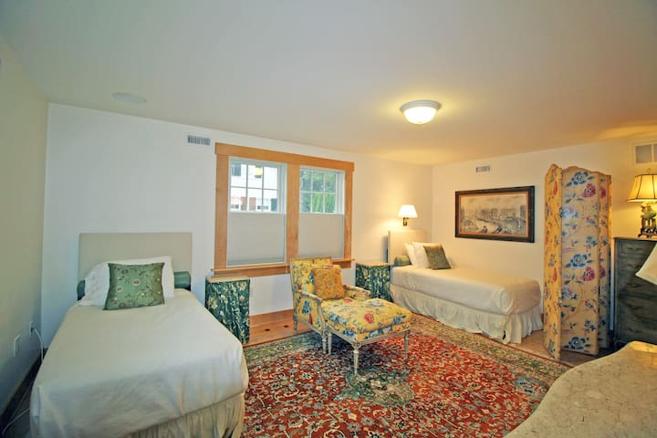 Edgartown Village, private bedroom