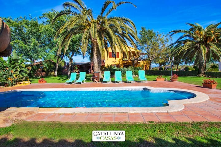 Incredible villa in La Selva for 14 guests, 11km from the beach! - Costa Dorada - Vila