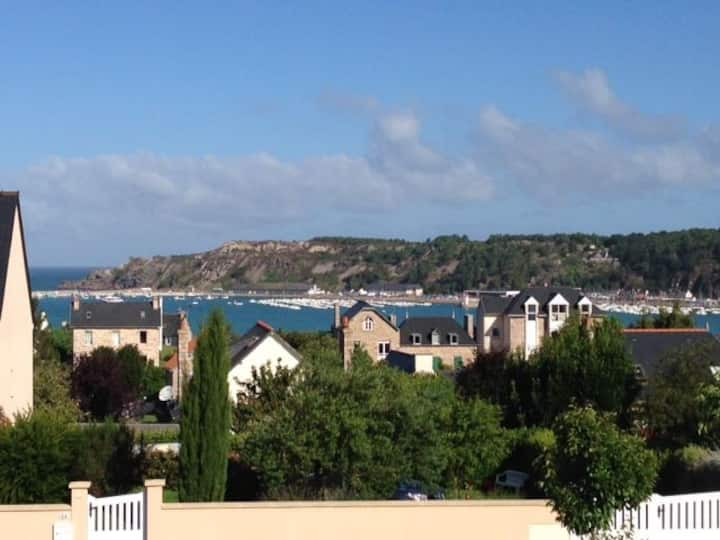 Seaview Townhouse with WIFI and UKTV