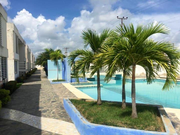 Apto Tucacas Chichiriviche Morrocoy Bella piscina