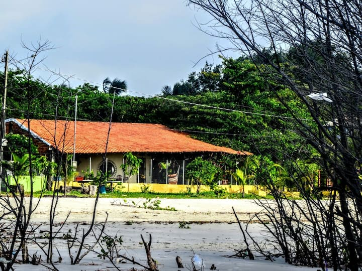Casa Redonda em Algodoal-PA de frente pra praia