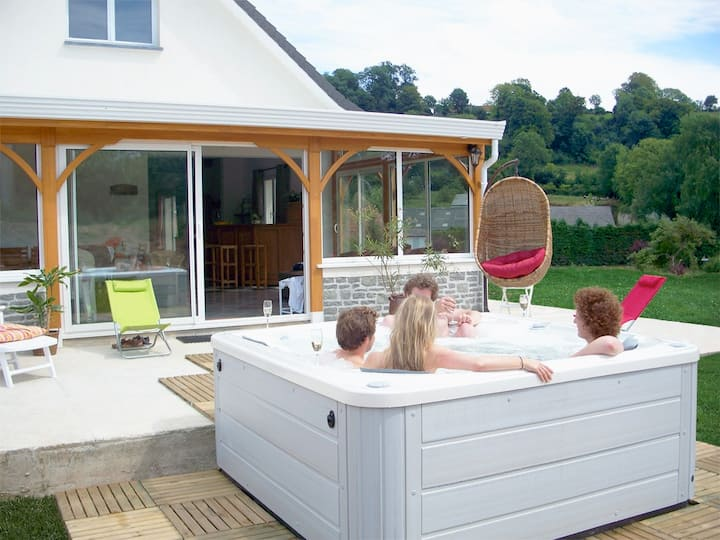 House for group, calm+jaccuzzi+ countryside