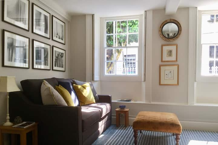 Fabulous Apartment in Historic House in St Aubin
