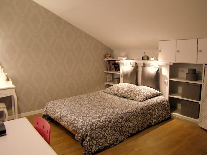 Chambre double dans loft B&B