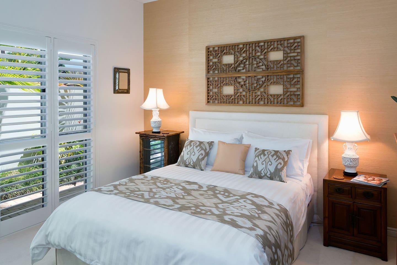 Bedroom with Queen Bed, Mini Bar Fridge, TV with Apple TV & Netflix