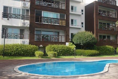 바다가 보이는 앤틱 펜트하우스 - 서귀포시 - Apartment