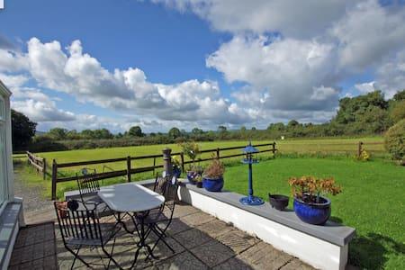 Cottage close to Cashel, Fethard & Kilkenny.