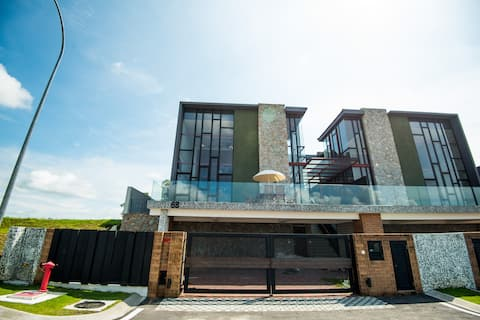 [New] Cube On Hill luxury and leisure getaway home