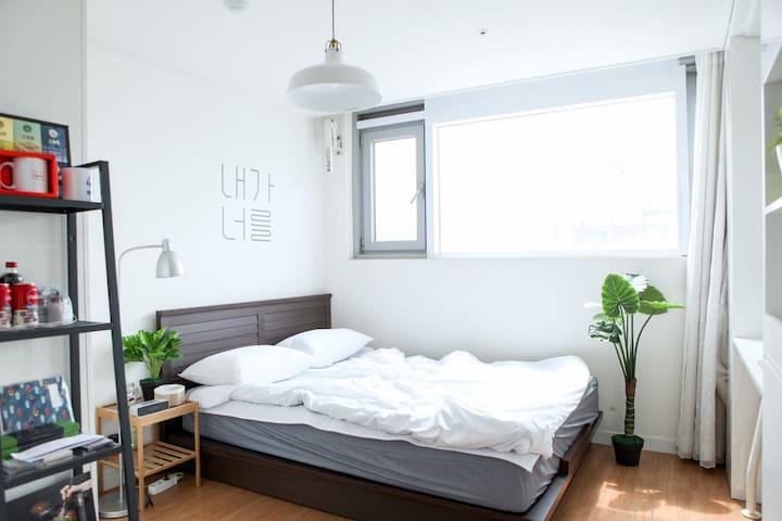 [New Residence Style] 1min Hongdae Stn!!