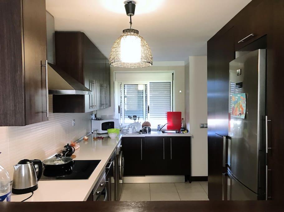 Kitchen with all equipment / полностью укомплектованная кухня