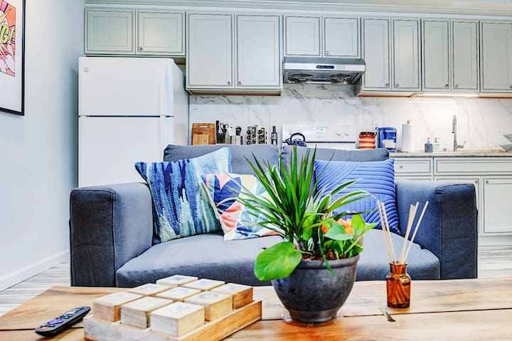 COLORFUL | BRAND NEW APT | CLOSE TO DOWNTOWN & SF