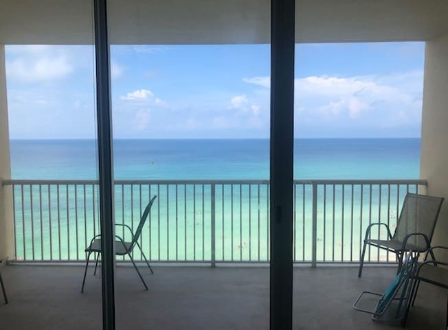 Majestic 814 BEACHFRONT CONDO!
