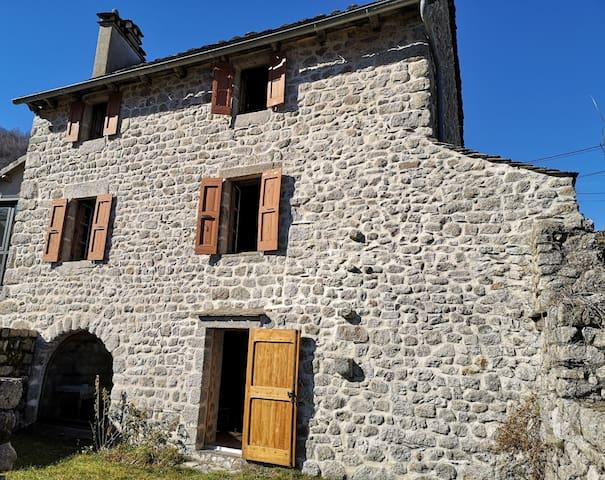 Maison typique Lozérienne au cœur des Cévennes