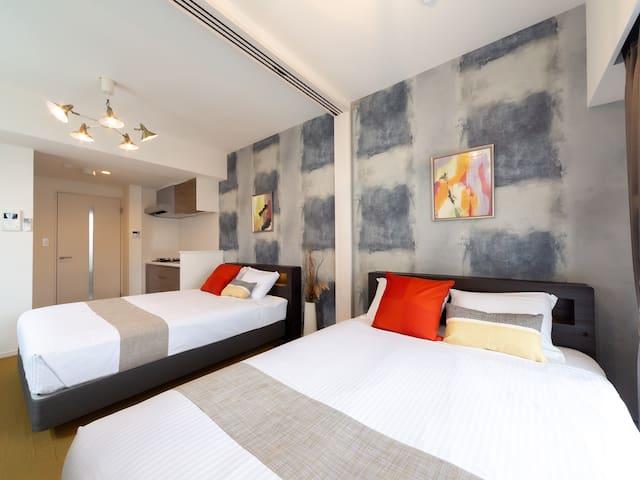 Luxury comfortable twin room in the heart ofHakata