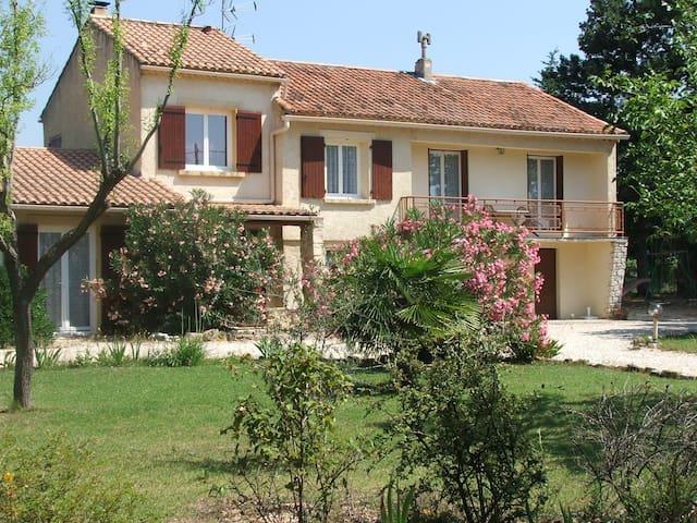 Logement climatisé de 61m², au calme, en campagne - Sarrians - Apartemen