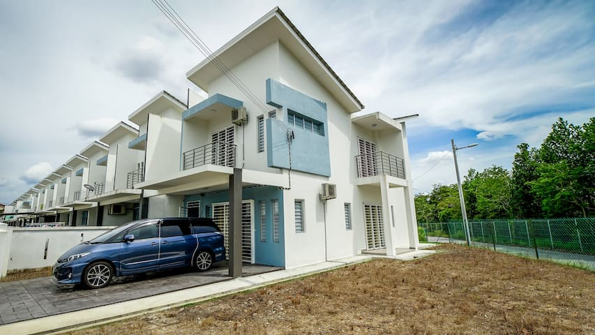 Saujana Rawang Corner house