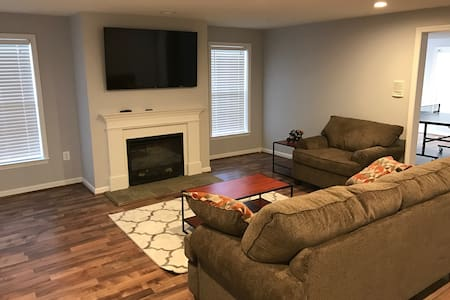 Newly-Renovated, 2k sq. ft., 2-Bedroom Basement! - Leesburg