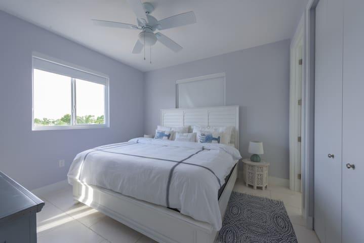 New Pool Home, Key Largo on Ocean side!