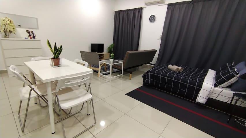 Jingga Homestay | Cozy Place Cybersquare