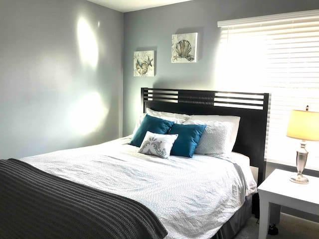 Get a great night's sleep in one of the condo's tastefully decorated bedrooms complete with queen size beds. Extra pillows and linens provided.